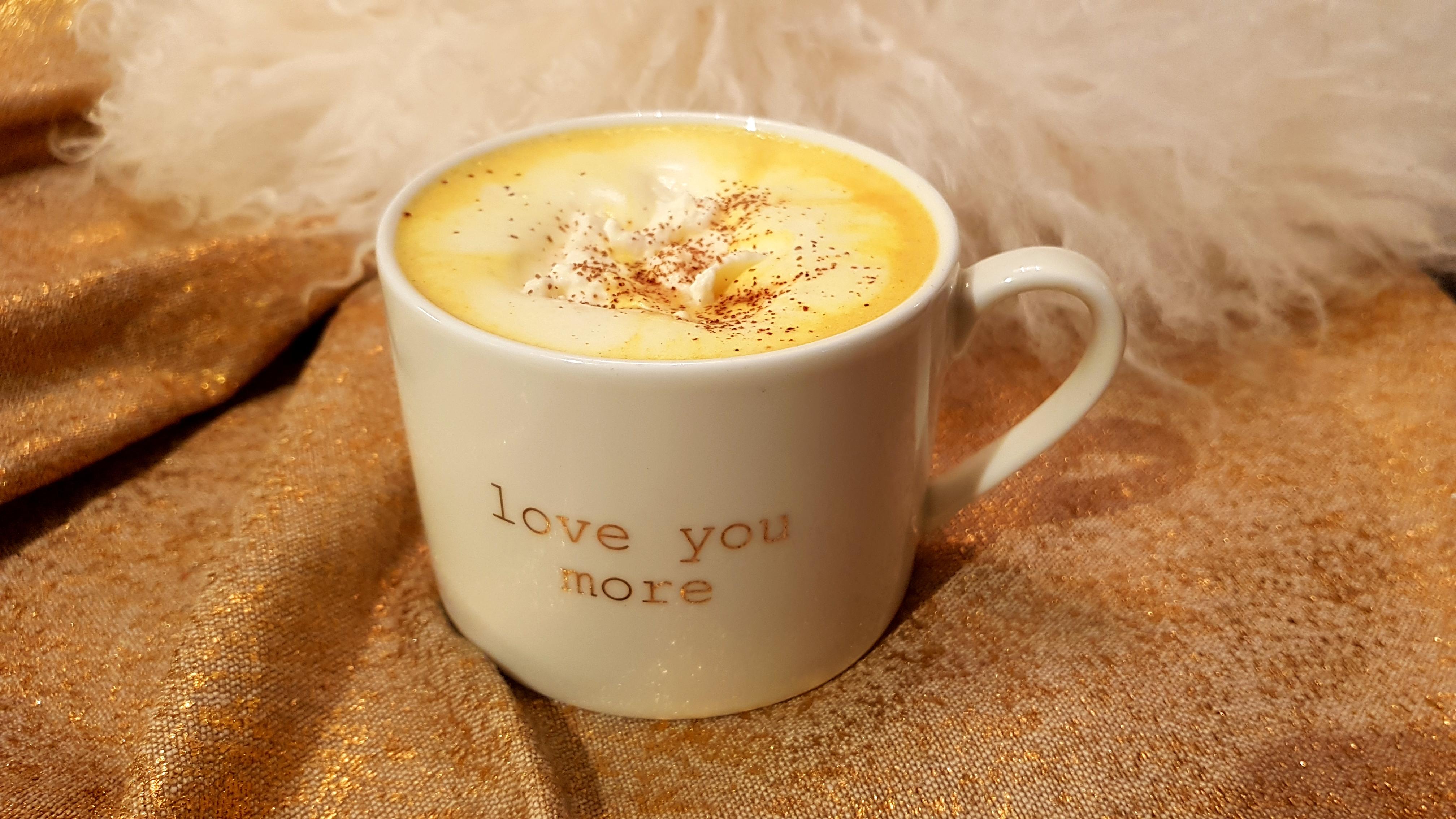 Lavkarbo Gurkemeie-Latte