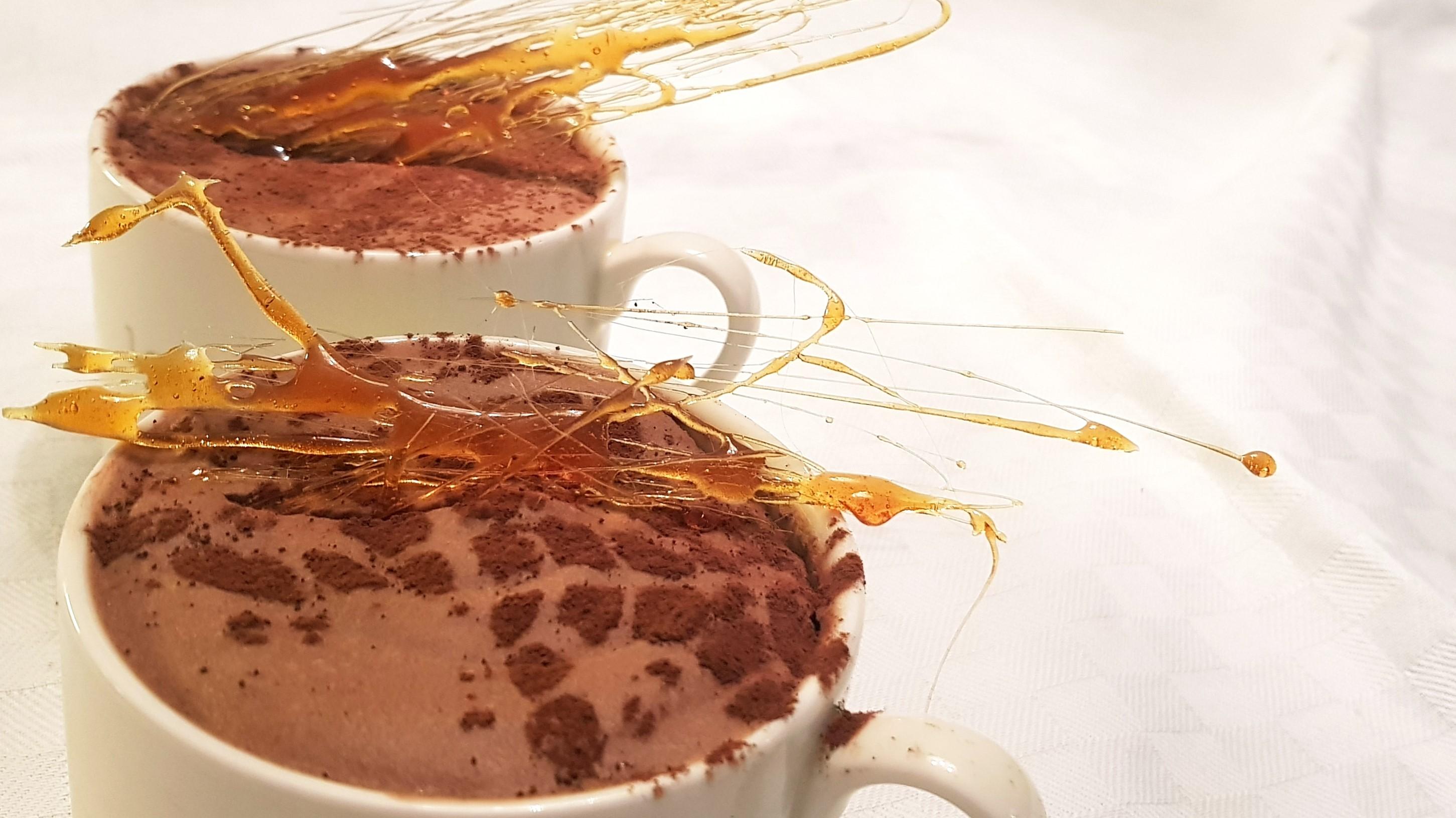 nydelig lavkarbo mousse med sjokolade og baileys