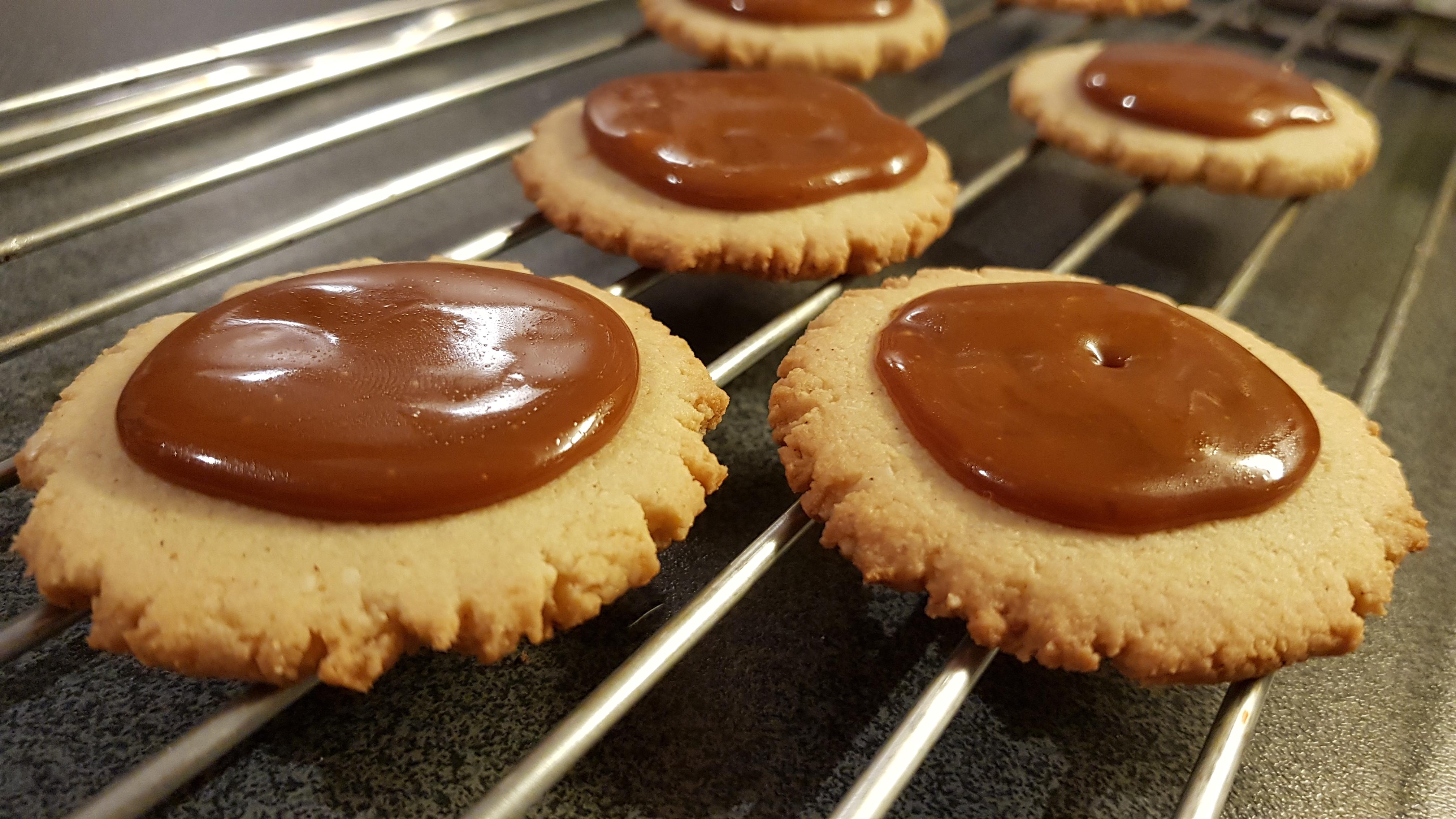 kjeks med sjokolade og karamell